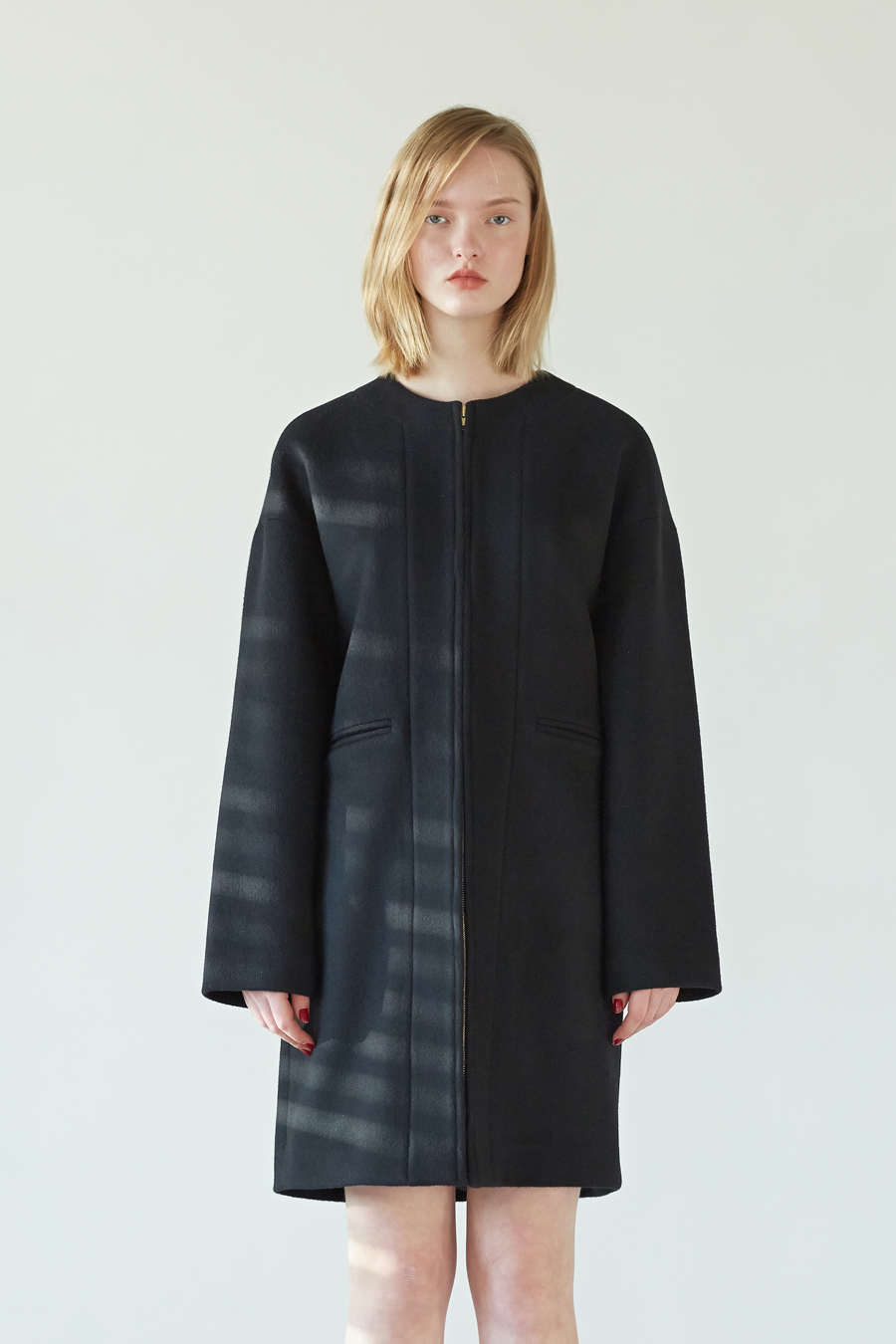 COLLARLESS OVERCOAT - BLACK