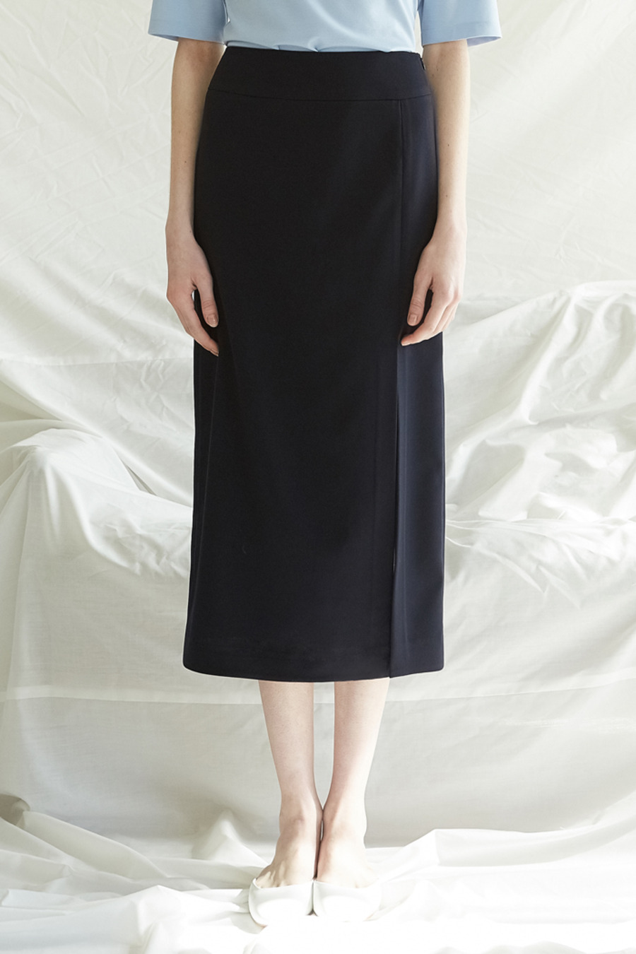 [5%] SLIT LONG SKIRT - NAVY