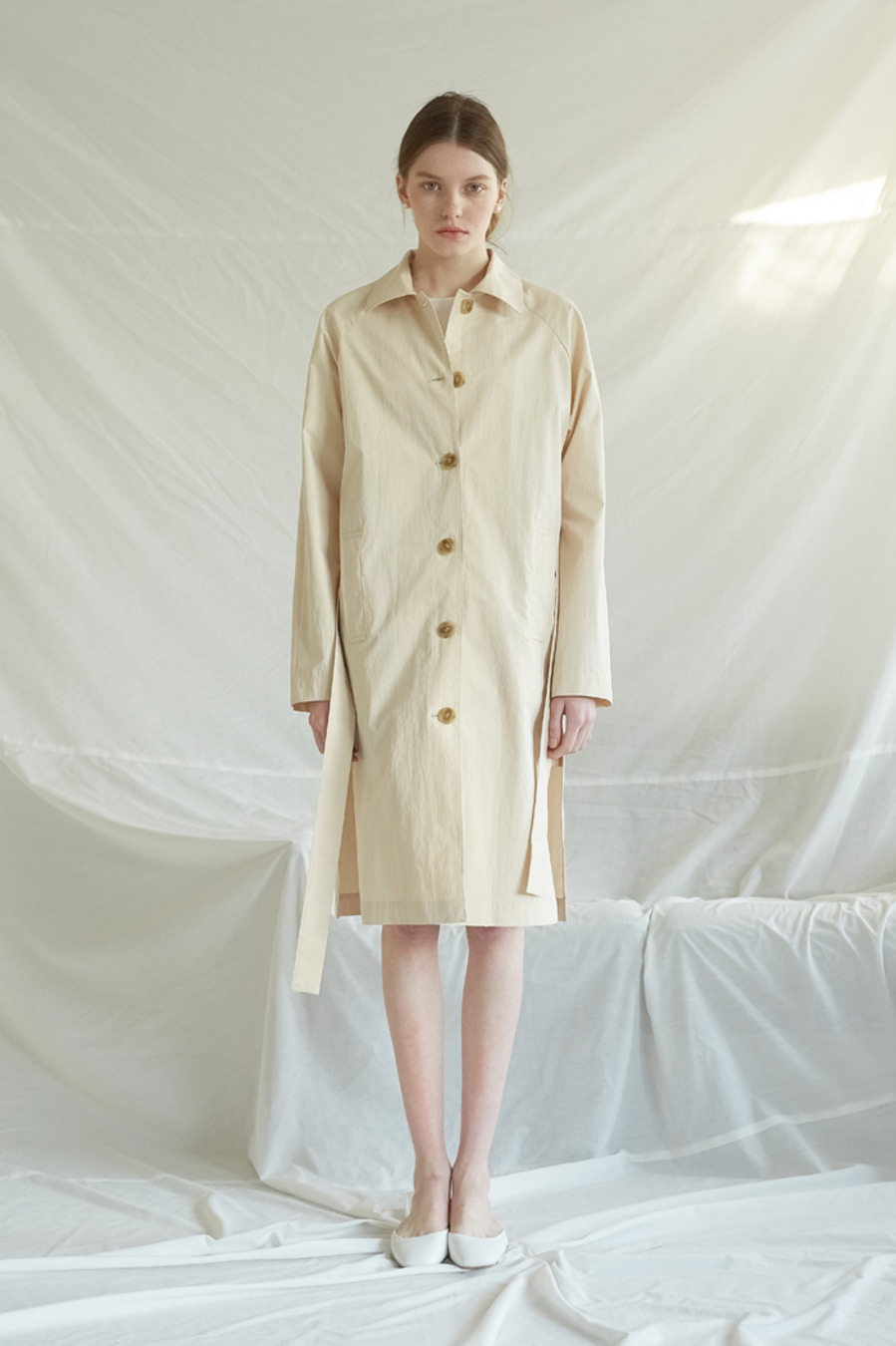 SLIT MAC COAT - CREAM