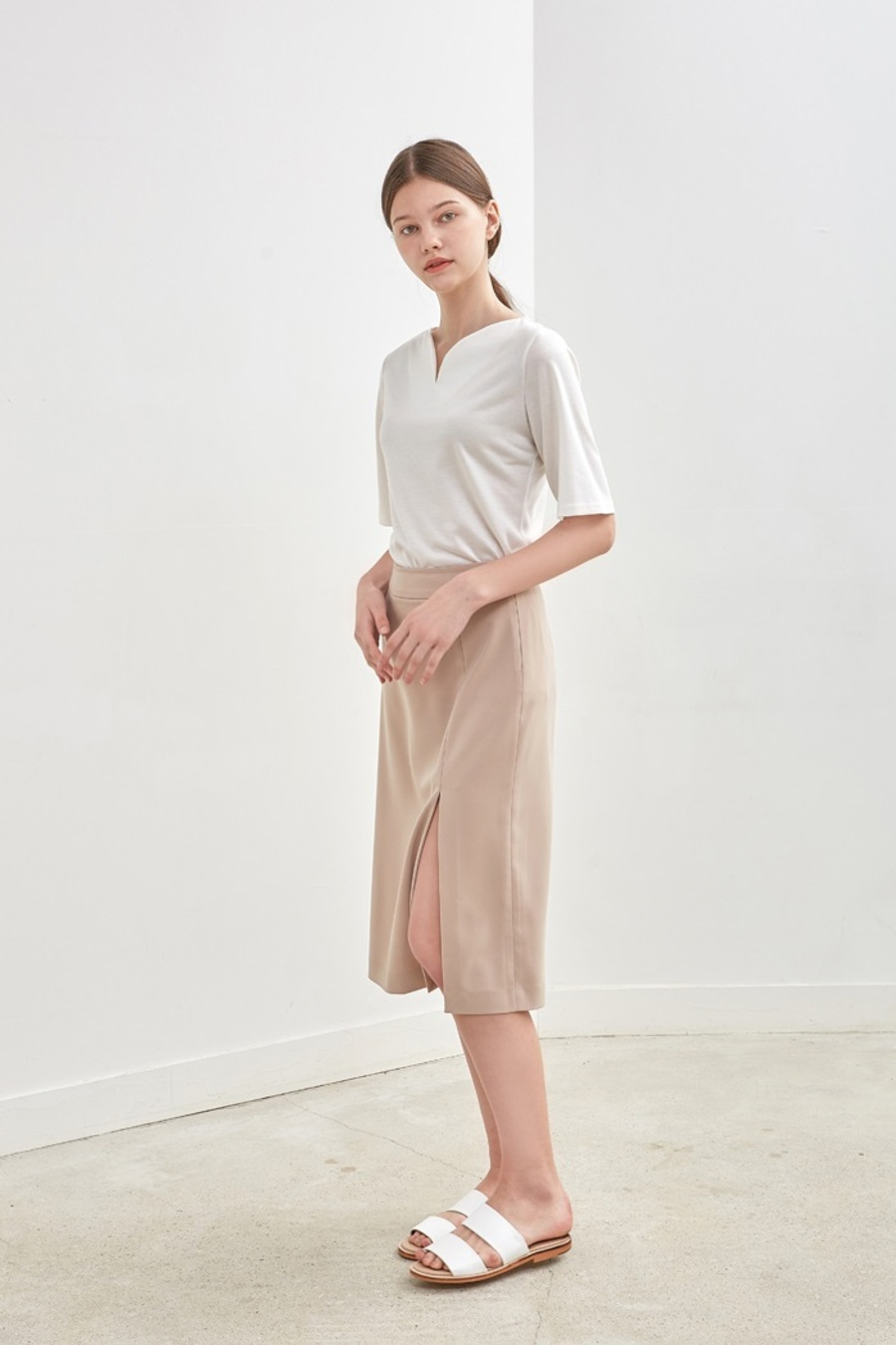 [10%] SLIT LONG SKIRT - BEIGE