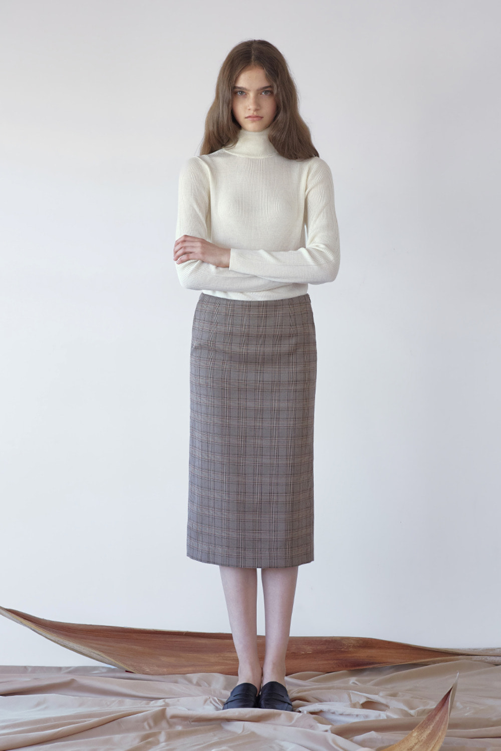 H LINE CHECK SKIRT - BROWN